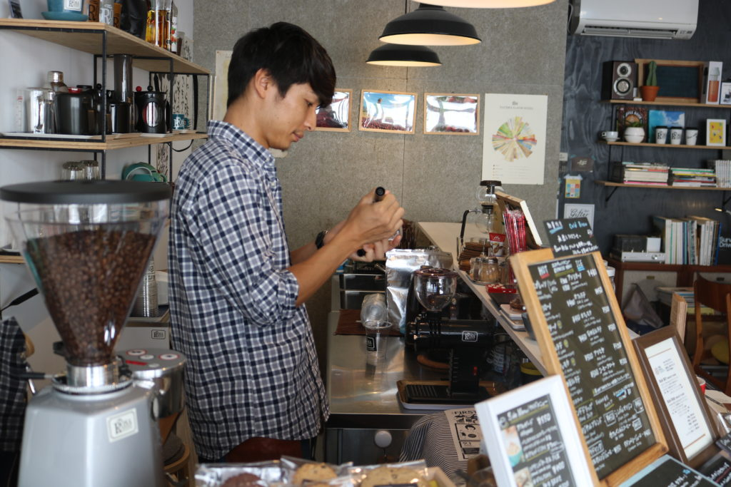 the rosa coffe speciality coffee high quality coffee lover cafe delicious blend latte art miyazaki japan